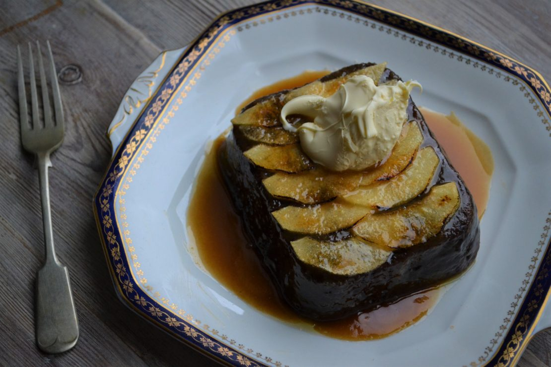 Richard H. Turners Sticky Toffee and Apple Pudding